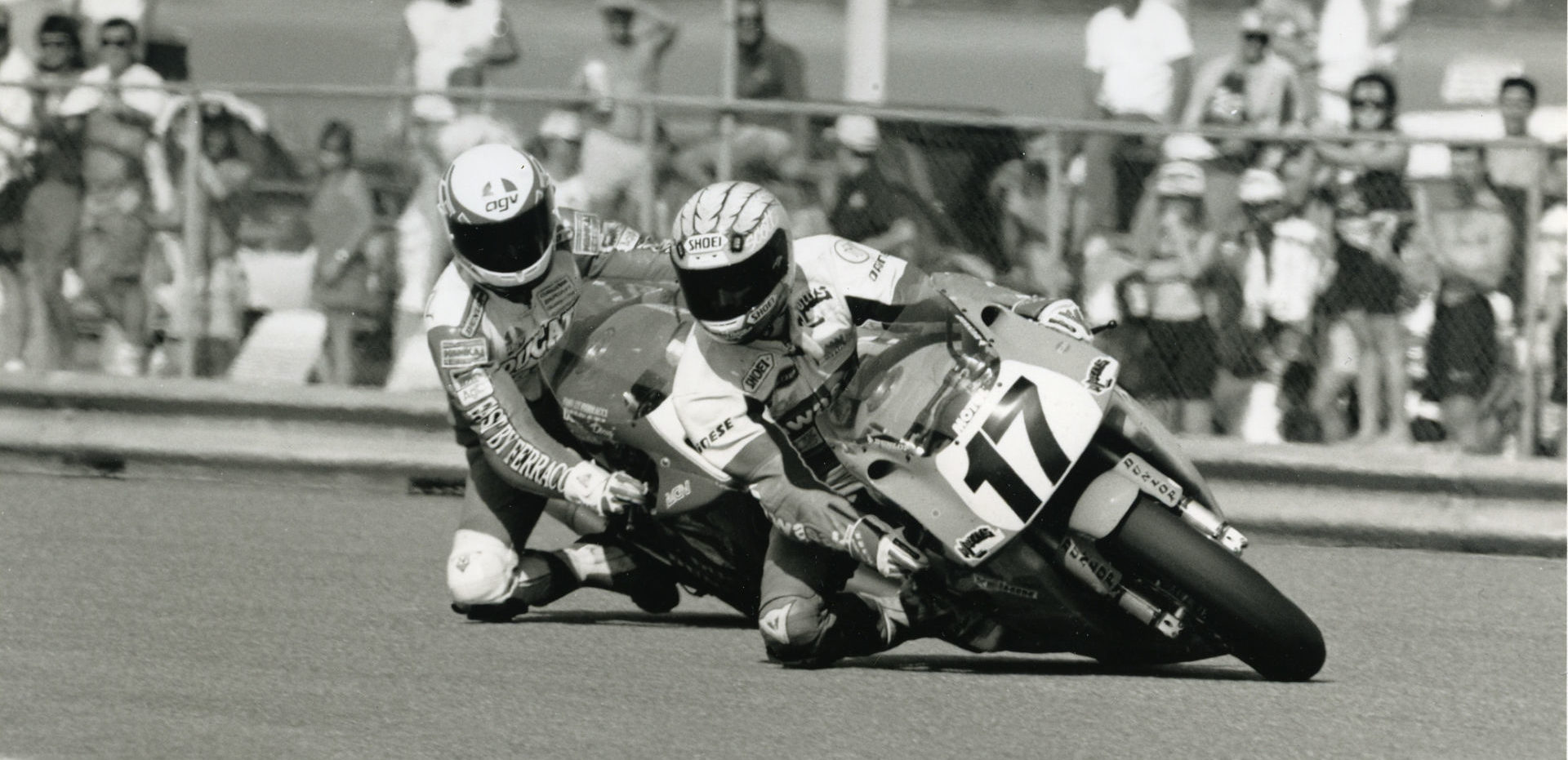Scott Russell (17) leads on his way to his first Daytona 200 win in 1992. Russell will be a featured instructor at the Team Hammer Advanced Riding School on October 18, 2019. Photo by John Flory.