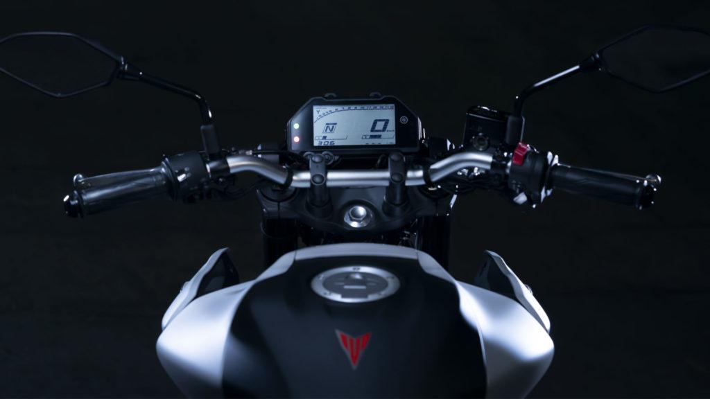 The 2020-model Yamaha MT-03 comes with a one-piece tubular handlebar.