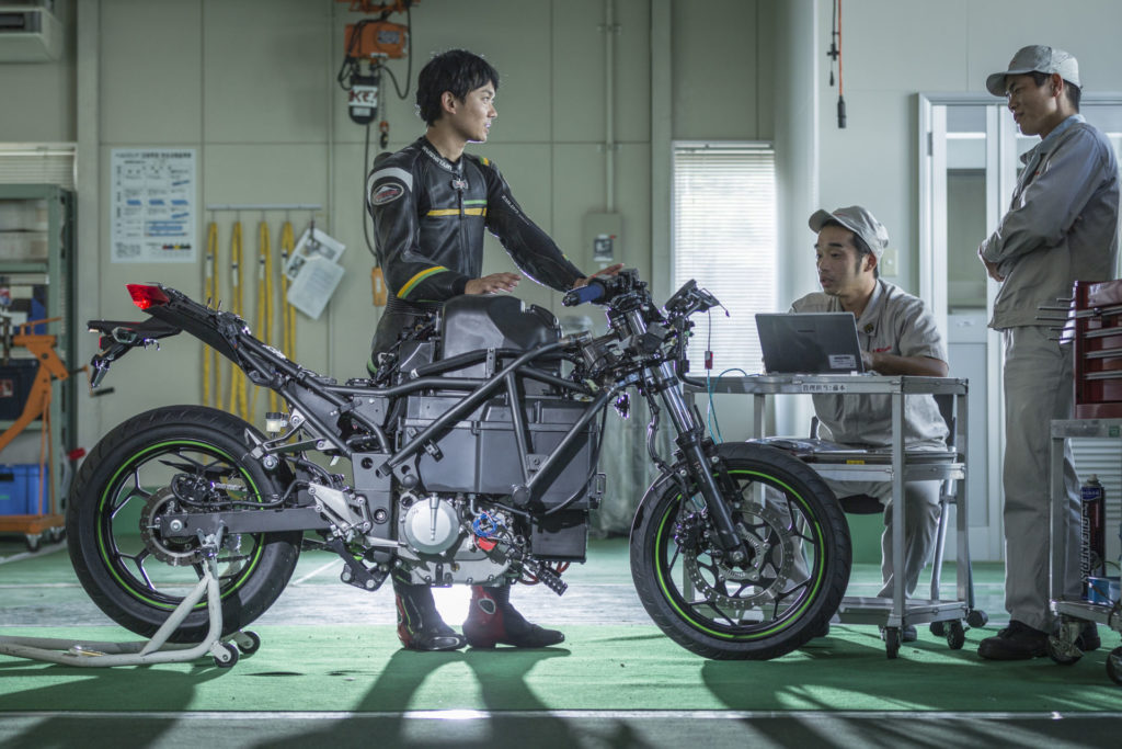 Kawasaki's Ninja 650-sized, transmission-equipped electric motorcycle concept vehicle without bodywork. Photo courtesy of Kawasaki UK.
