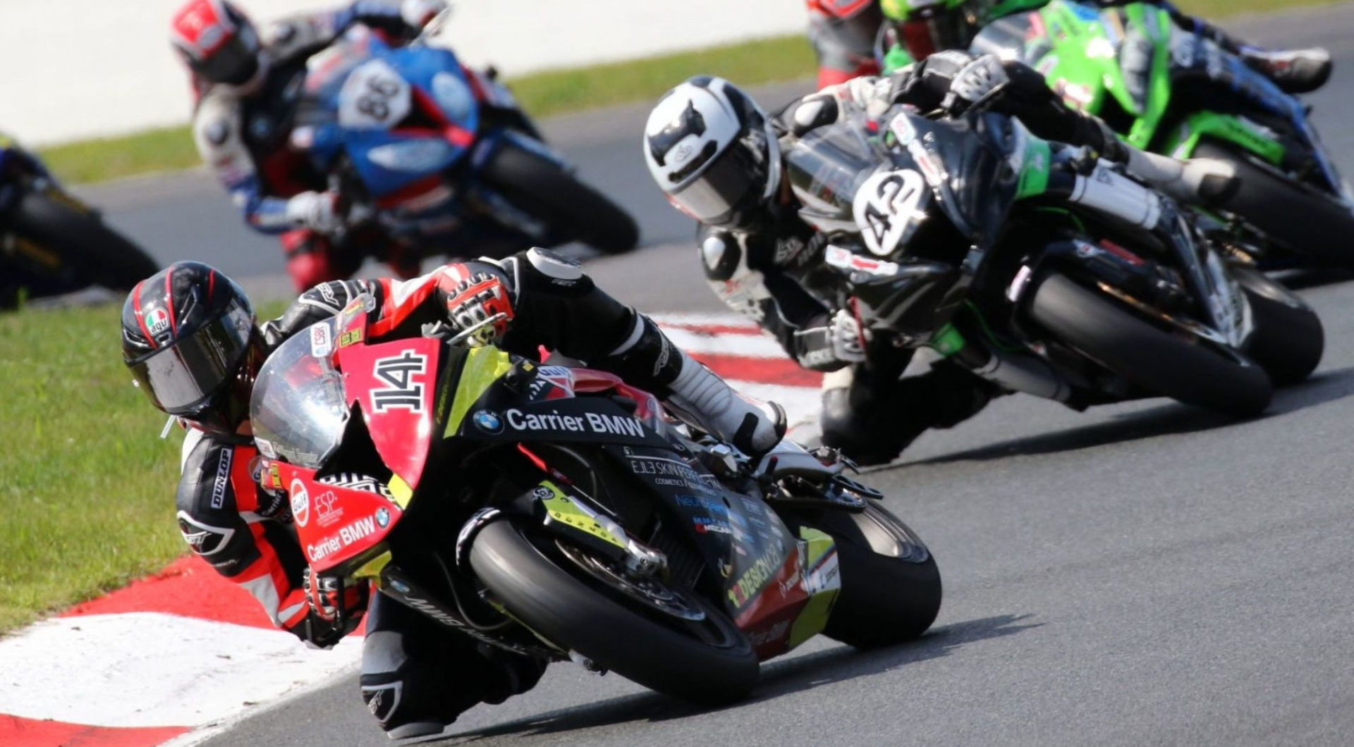 Action from the 2019 Mopar Canadian Superbike Championship. Photo by Rob O'Brien, courtesy of CSBK/PMP.
