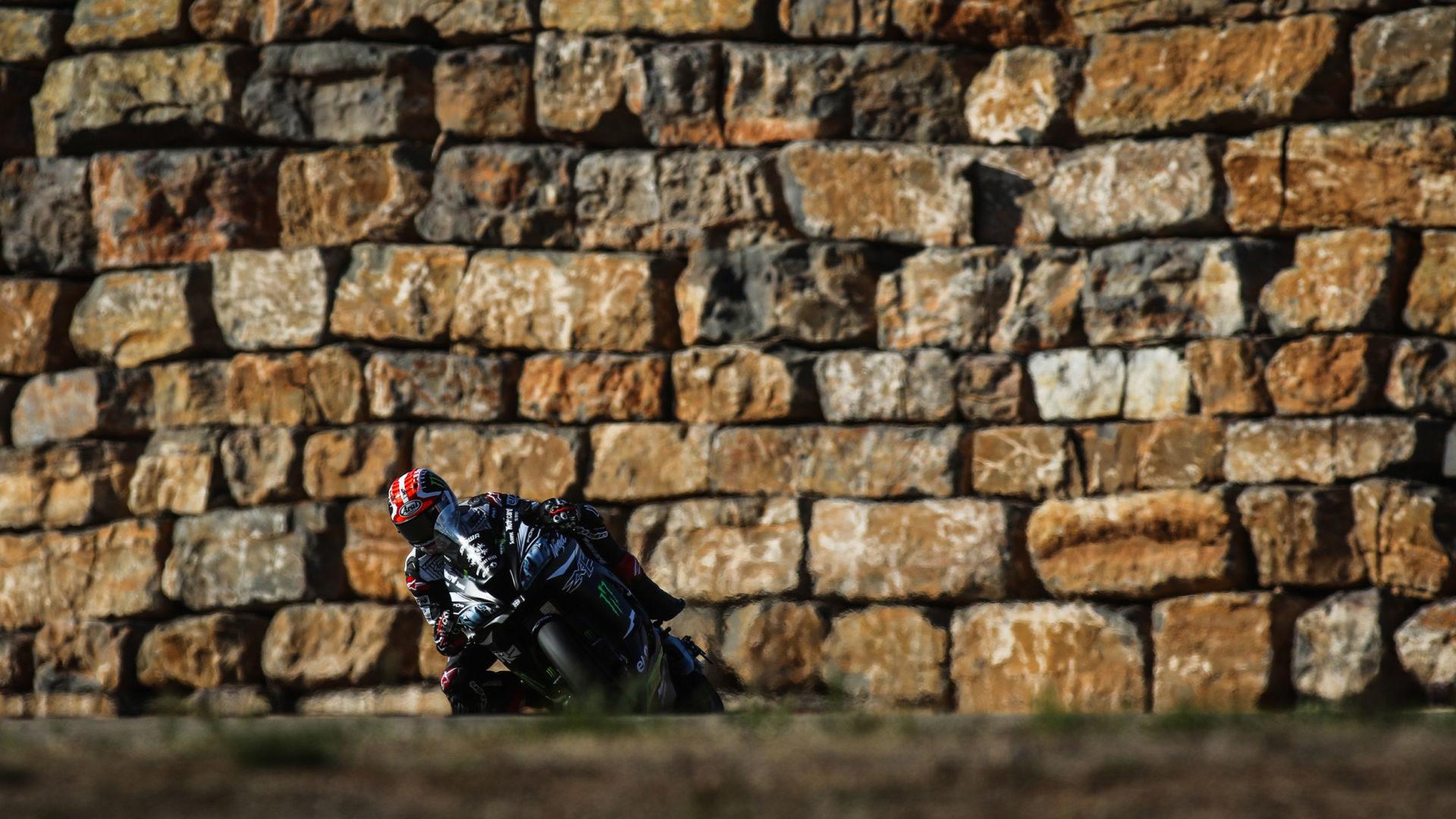 Jonathan Rea in action Wednesday at Motorland Aragon. Photo courtesy of Dorna WorldSBK Press Office.