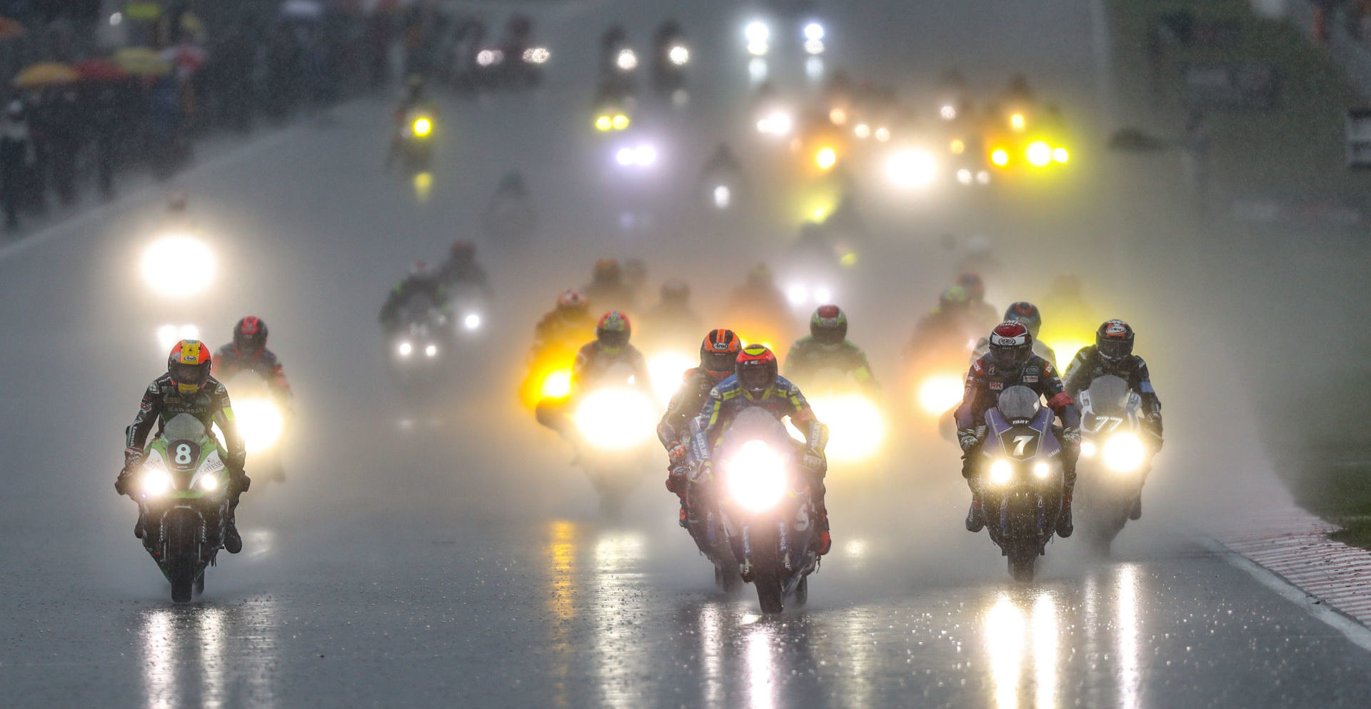 The start of the 8 Hours of Sepang. Photo by David Reygondeau/Good-Shoot.com, courtesy of Team Suzuki Press Office.