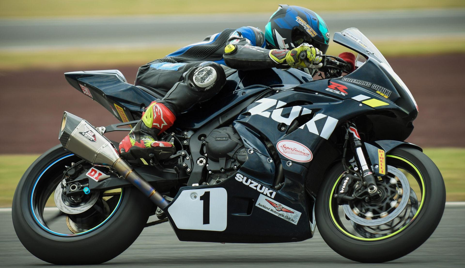 Defending New Zealand Superbike Champion Daniel Mettam (1). Photo by Andy McGechan, courtesy of Team Suzuki Press Office.