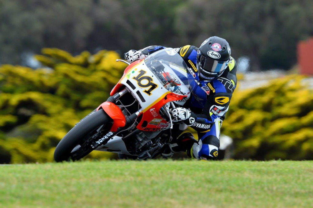 After a mechanical problem sidelined his motorcycle, Josh Hayes (101) had to borrow Jordan Szoke's Yamaha FJ1200 in order to set a qualifying time in the second round of qualifying. Photo by Russell Colvin, courtesy of Phillip Island.