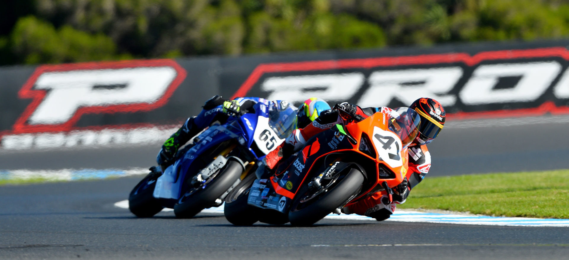 Wayne Maxwell (47) and Cru Halliday (65) in action during the opening round of the 2020 Australian Superbike Championship at Phillip Island. Photo by Russell Colvin, courtesy of Motorcycling Australia.