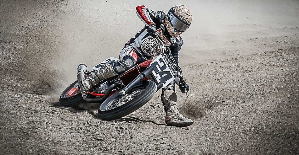 Dunlop-supported amateur flat track racer Hunter Bauer (24). Photo by David Dudley, courtesy of Dunlop.