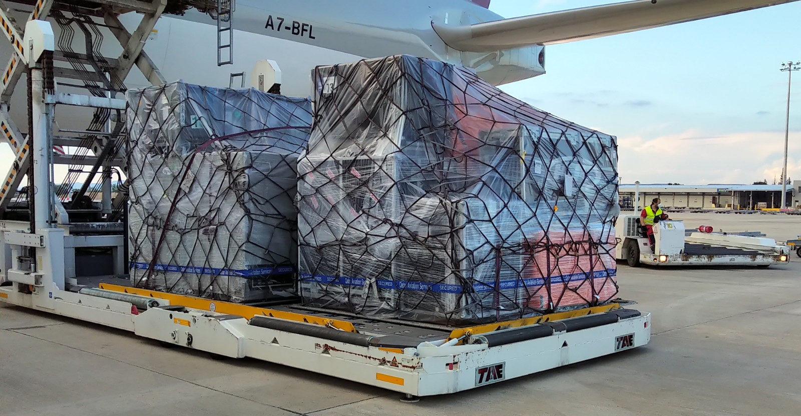 Airways cargo plane in Spain. Photo courtesy of Dorna.