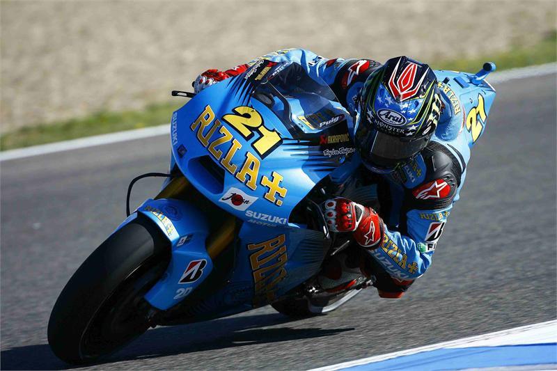 John Hopkins (21) his Rizla Suzuki factory MotoGP racebike. Photo courtesy of Suzuki.