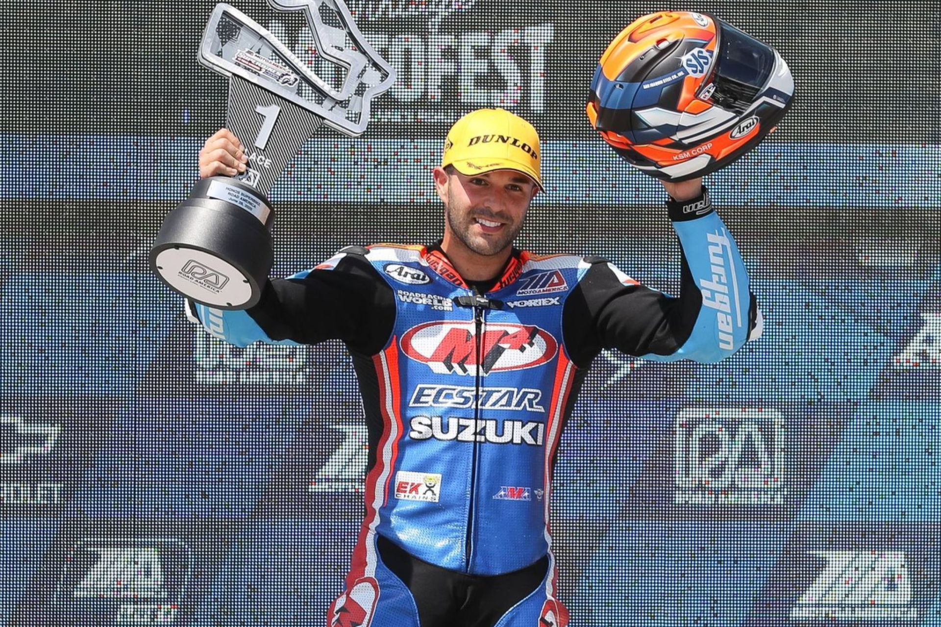 Bobby Fong grabs Superbike victory in Race 2 on his Suzuki GSX-R1000. Photo by Brian J. Nelson, courtesy Suzuki Motor of America, Inc.