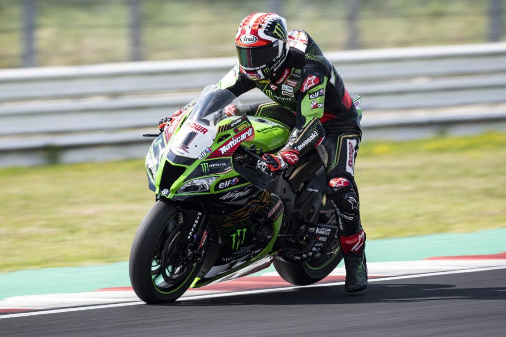 Jonathan Rea (1) at speed at Misano. Photo courtesy Kawasaki.