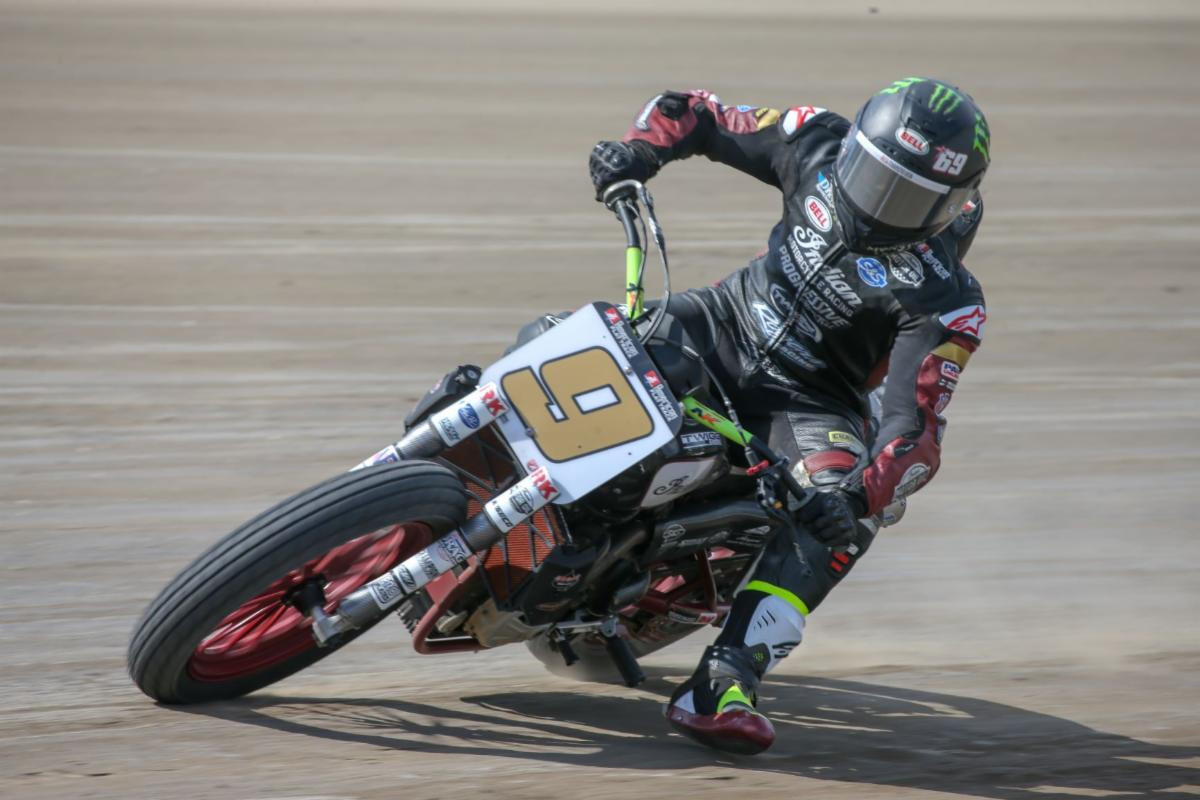 Jared Mees (9) in action at the Volusia Half-Mile I. Photo courtesy American Flat Track.