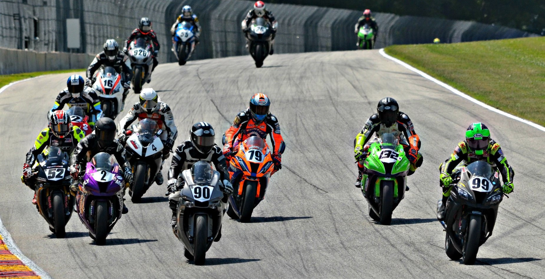 ASRA/CCS racers entering Turn Five at Road America. Photo by Angie Stanislawski/H&E Services, LLC courtesy ASRA/CCS.