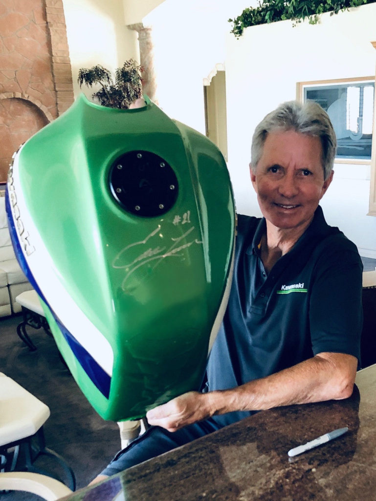Four-time 500cc Grand Prix World Champion Eddie Lawson autographed the fuel tank of the 1999 Kawasaki ZRX1100 tribute bike being raffled by AHRMA. Photo courtesy AHRMA.