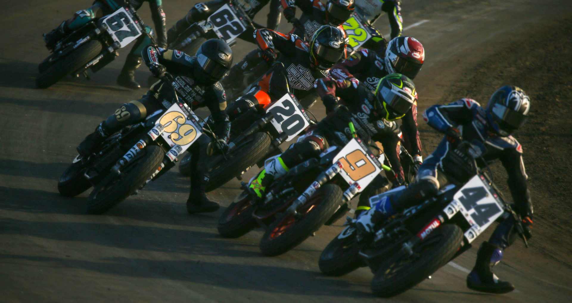 Action from an AFT SuperTwins semi at Volusia Half-Mile I. Photo by Scott Hunter, courtesy AFT.