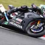 Glenn Irwin (2) at speed on his 2020 Honda Fireblade SP British Superbike. Photo courtesy Honda Racing UK.
