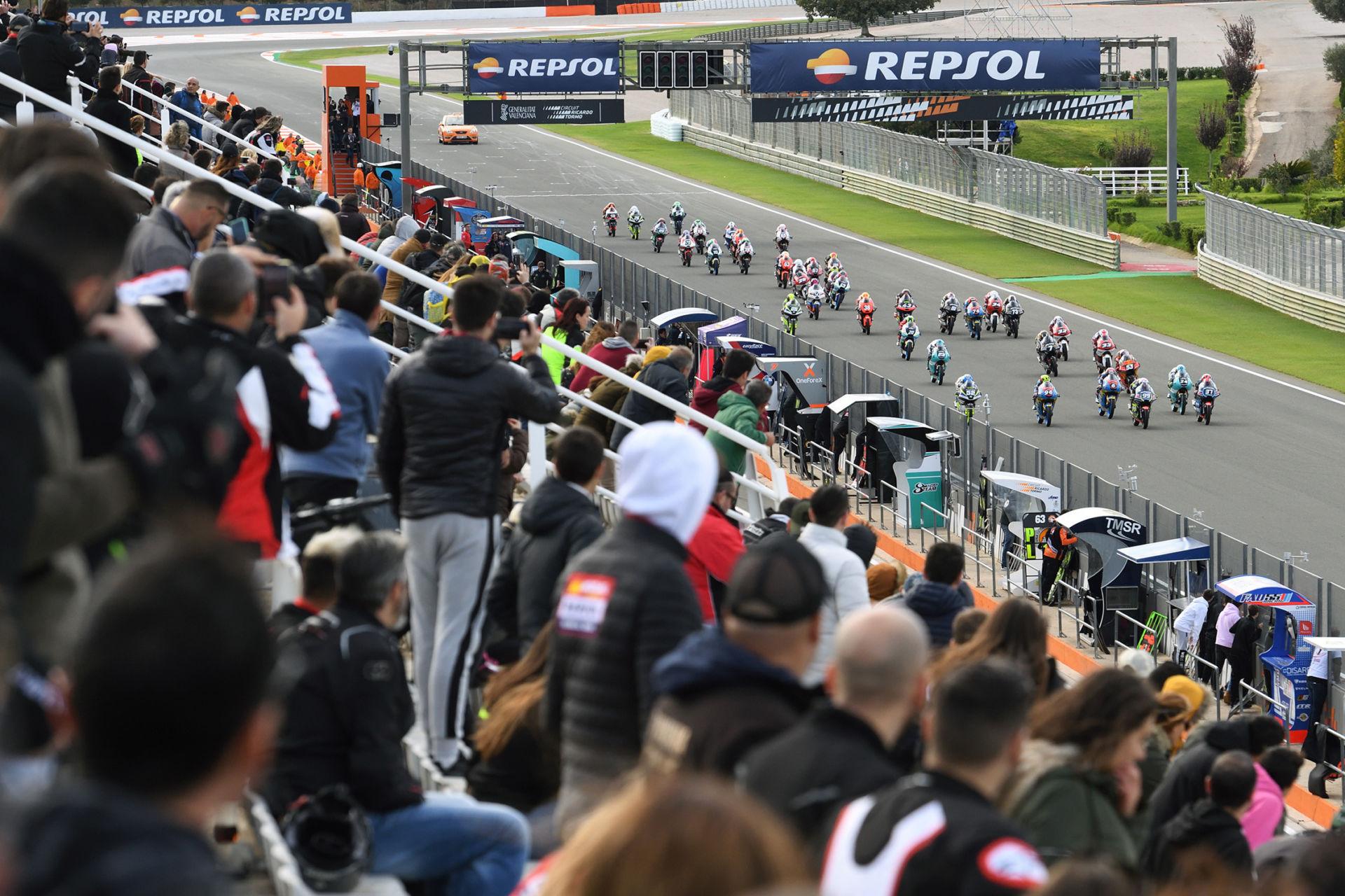 A Moto3 race start during the FIM CEV Repsol season finale at Valencia in 2019. Photo courtesy FIM CEV Repsol Press Office.