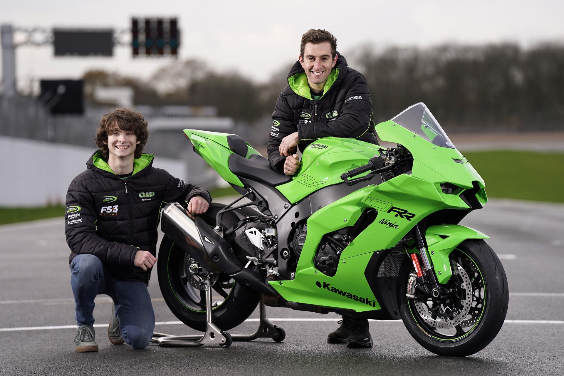 Rory Skinner (left) and Lee Jackson (right). Photo courtesy Kawasaki Motors UK.