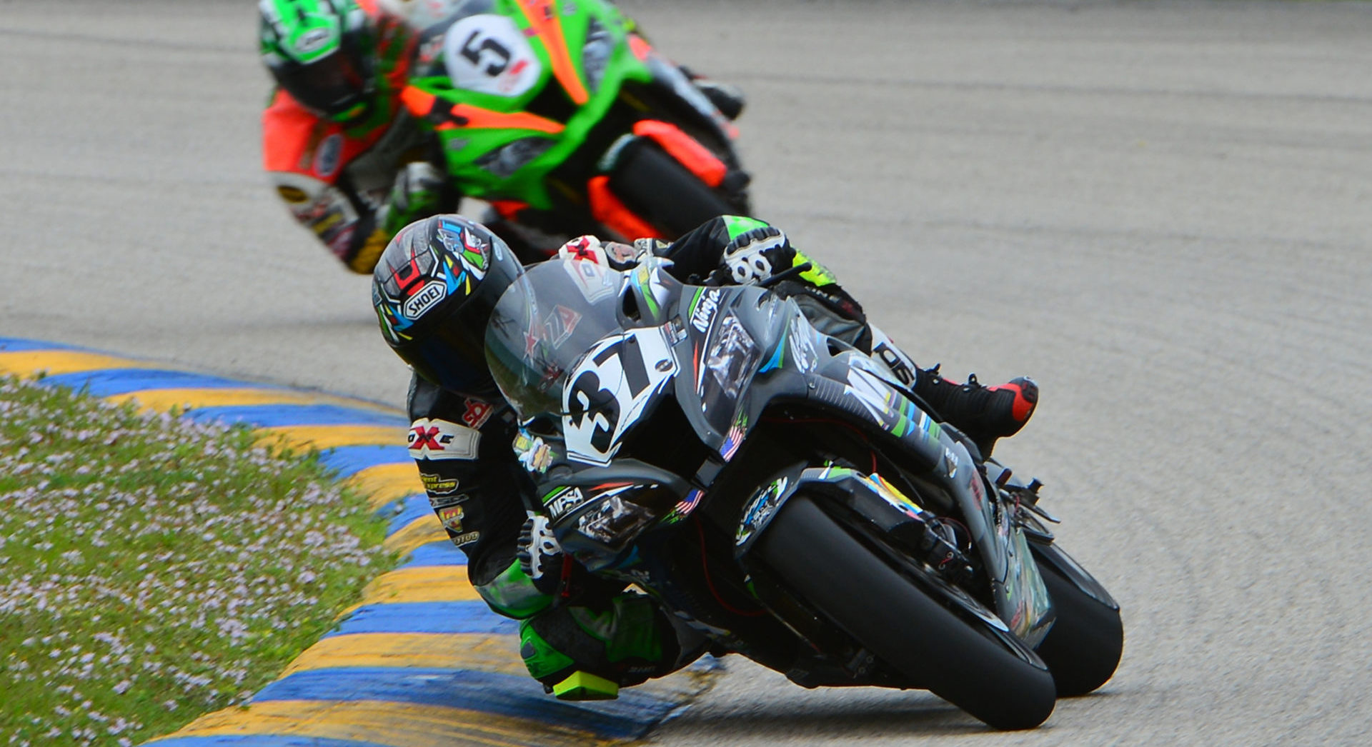 Stefano Mesa (37) leading Eric Wood (5) at Homestead-Miami Speedway. Photo by Lisa Theobald, courtesy ASRA/CCS.
