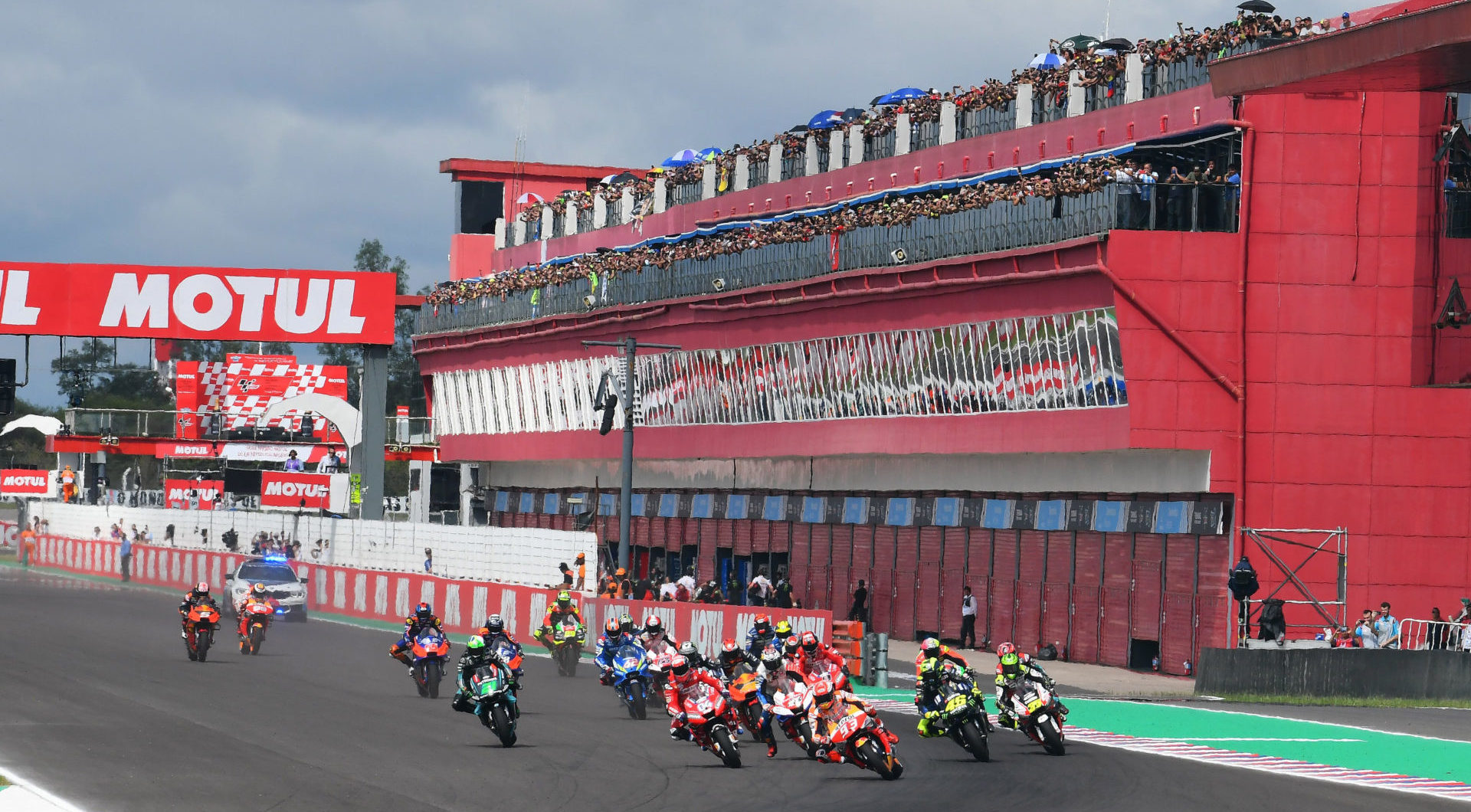 The start of the MotoGP race at Autodrome Termas de Rio Hondo in 2019 with the pit lane garage building in the background. Photo courtesy Michelin.