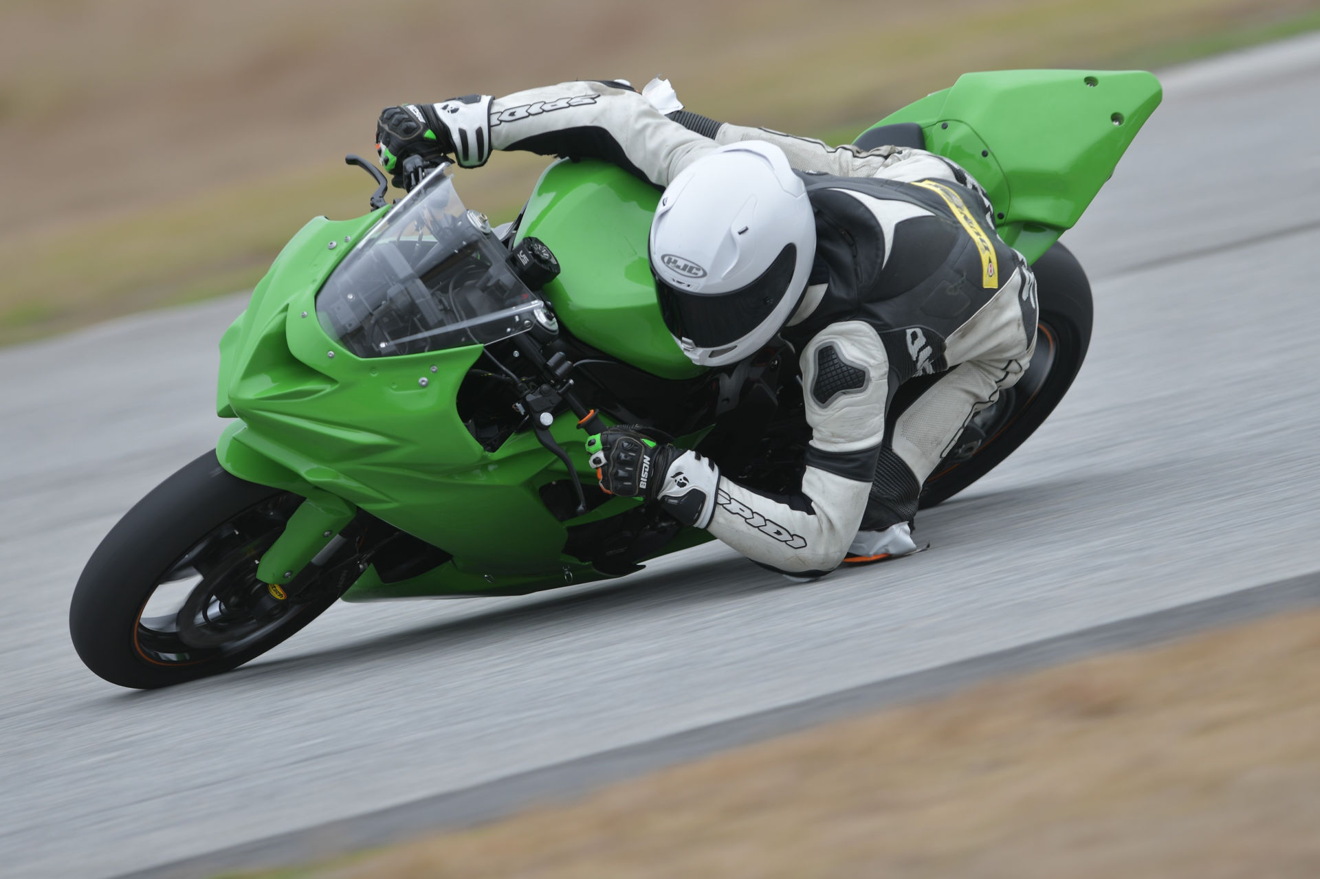 Dominic Doyle testing his new BARTCON Racing Kawasaki ZX-6R at Jennings GP. Photo courtesy BARTCON Racing.