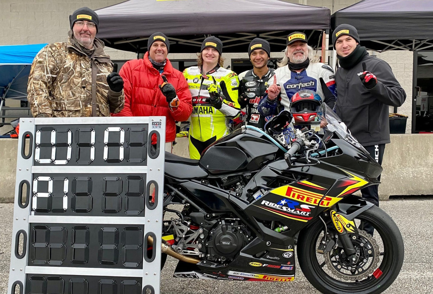 Team RideSmart Pirelli (from left): Team Owner John Hutchinson, Ty Howard, Kevin Randall, Kevin Olmedo, Derick Thomas, and Team Captain Michael Klesel. Photo by Sasha Lovan, courtesy Team RideSmart Pirelli.