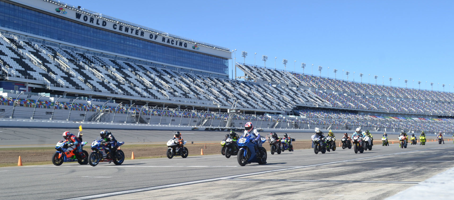The start of the CCS Heavyweight Supersport Expert/Amateur and MotoGirlGT 600 SB race Friday afternoon at Daytona International Speedway. Photo by David Swarts.