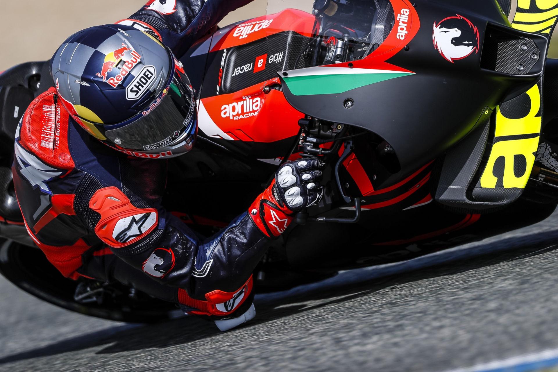 Andrea Dovizioso on an Aprilia RS-GP at Jerez. Photo courtesy Aprilia.