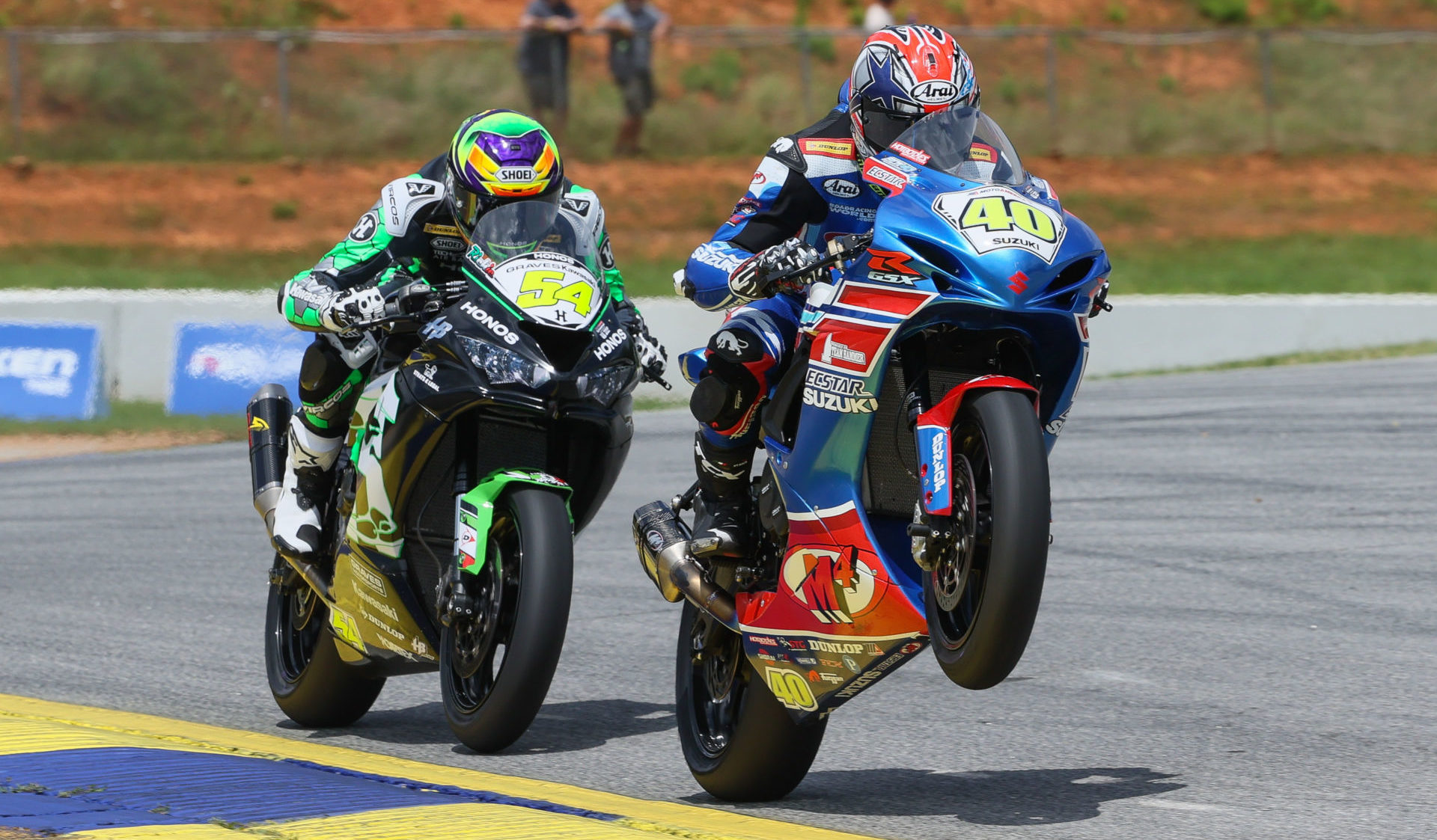 Sean Dylan Kelly (40) and Richie Escalante (54) battling for the lead in a MotoAmerica Supersport race at Road Atlanta in 2020. Photo by Brian J. Nelson, courtesy MotoAmerica.
