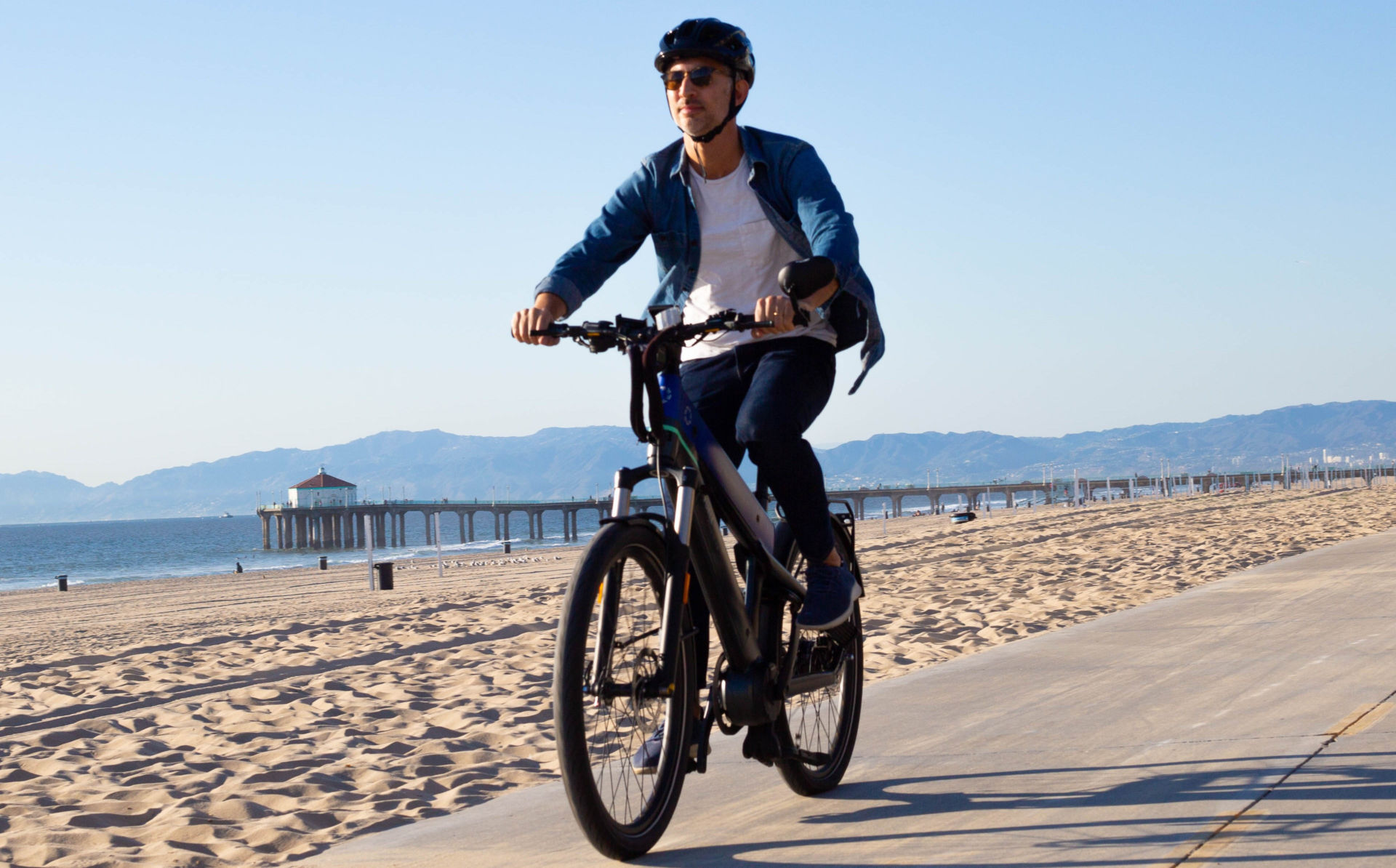 A rider on a FUELL Flluid-1S electric bicycle. Photo courtesy FUELL.