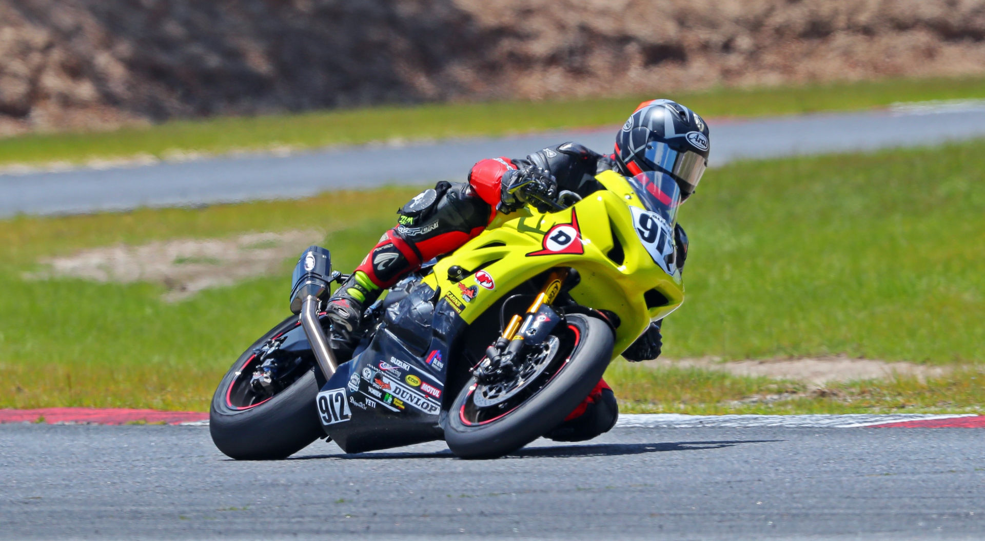 Twisted Speed Racing's Dustin Dominguez (912) took the lead at the start of the WERA/N2 Racing National Endurance Series race at Roebling Road Raceway, a lead that the team never relinquished. Photo by Lee Fields/Active Shooter Photography, courtesy Twisted Speed Racing.