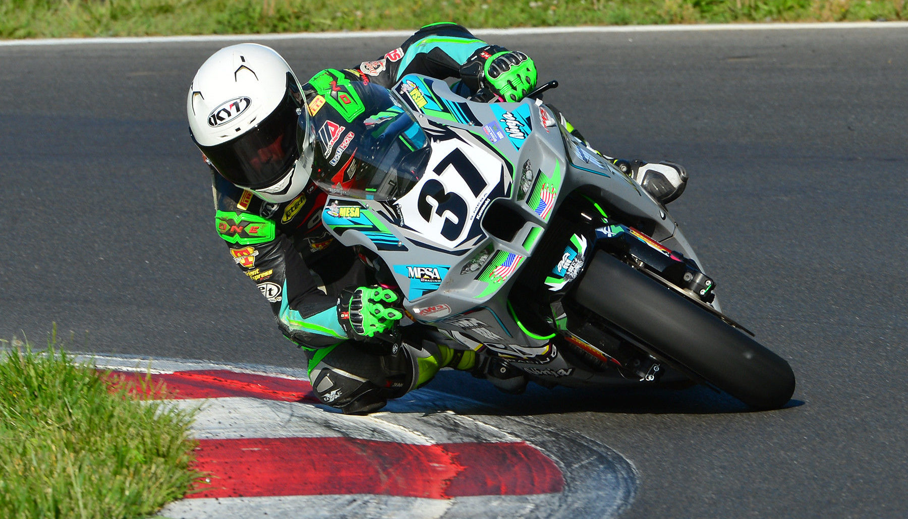 Stefano Mesa (37) in action at Summit Point Motorsports Park. Photo by Lisa Theobald, courtesy ASRA CCS.