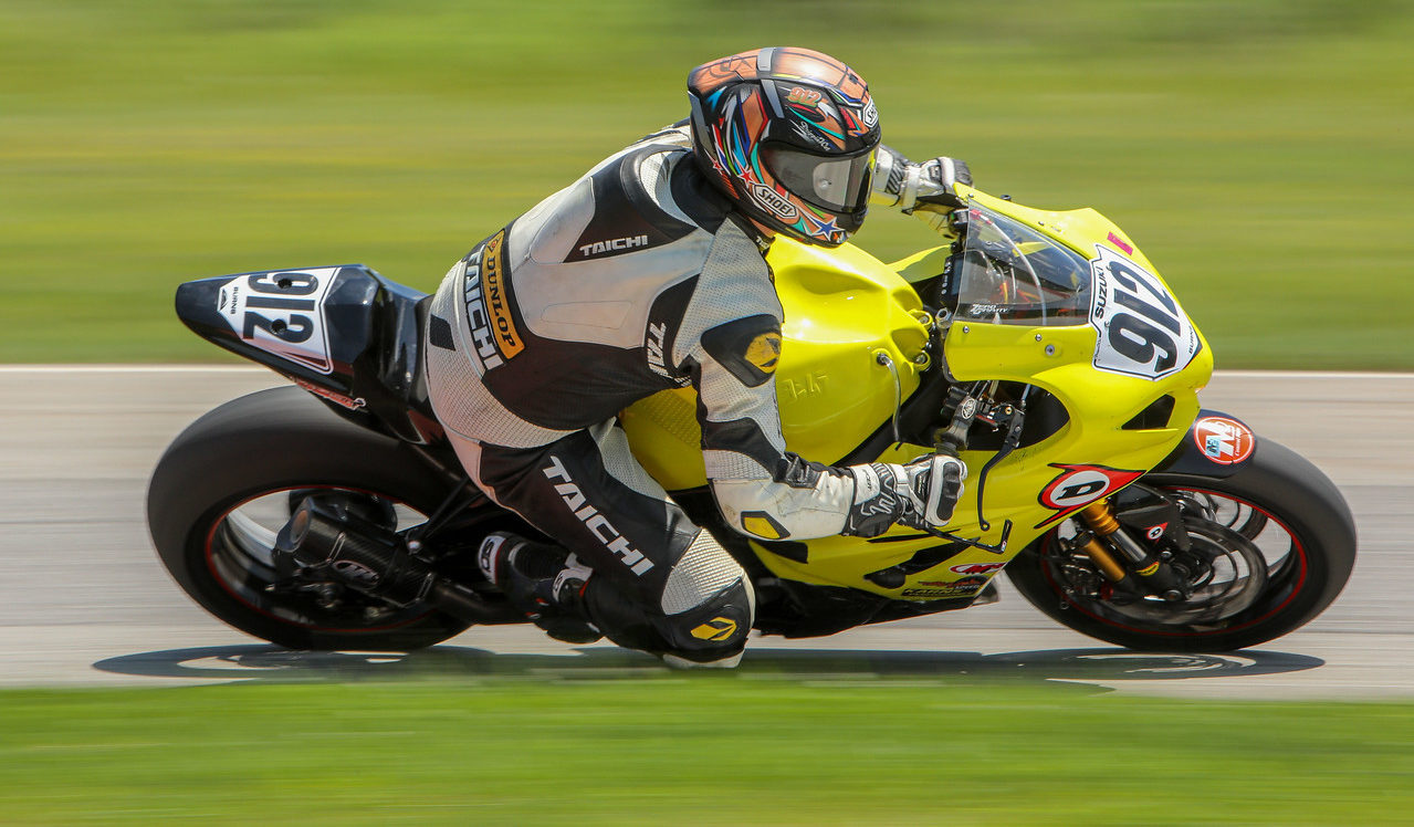Brad Burns (912) on the Twisted Speed Racing Suzuki GSX-R1000 at Nelson Ledges Road Course. Photo by Turn 13 Photo, courtesy N2 Racing.
