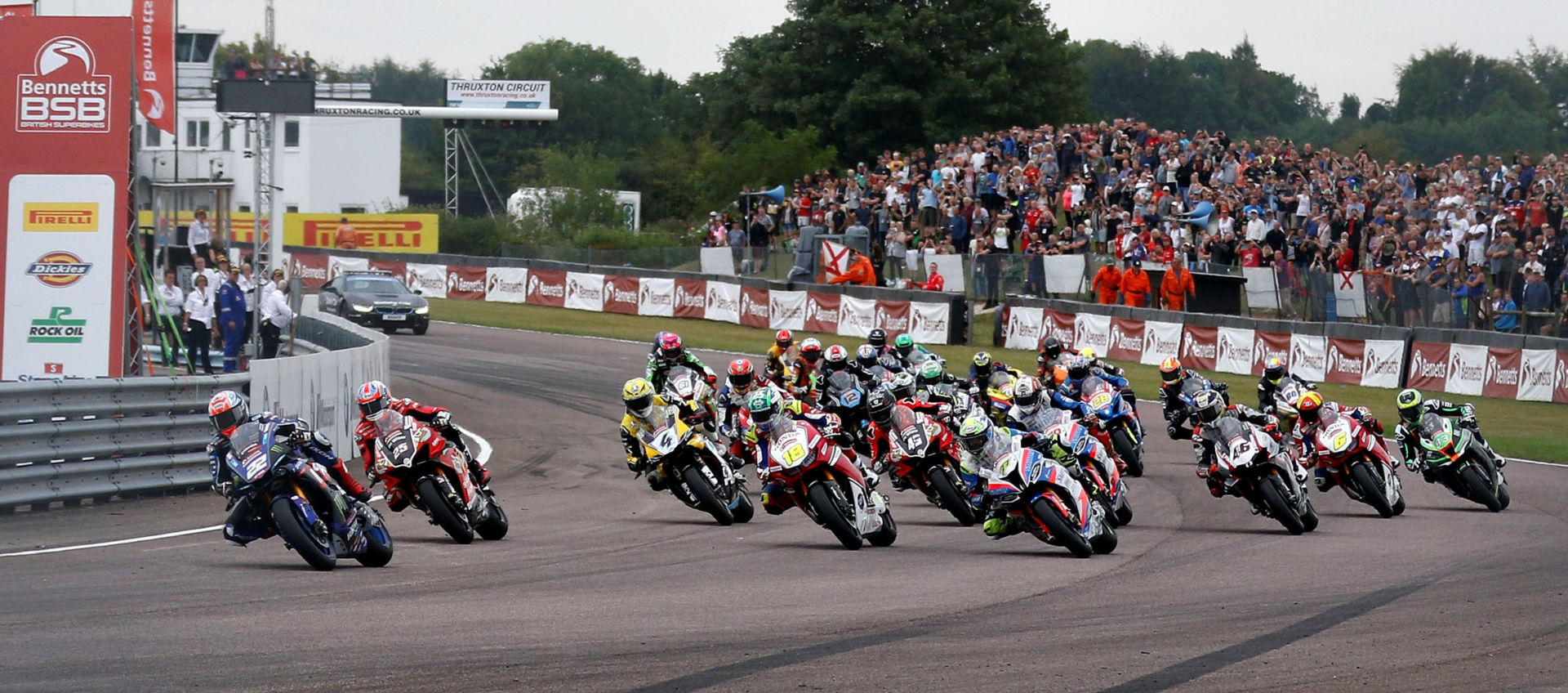 The start of a British Superbike race at Thruxton Circuit in 2019. Photo courtesy MSVR.