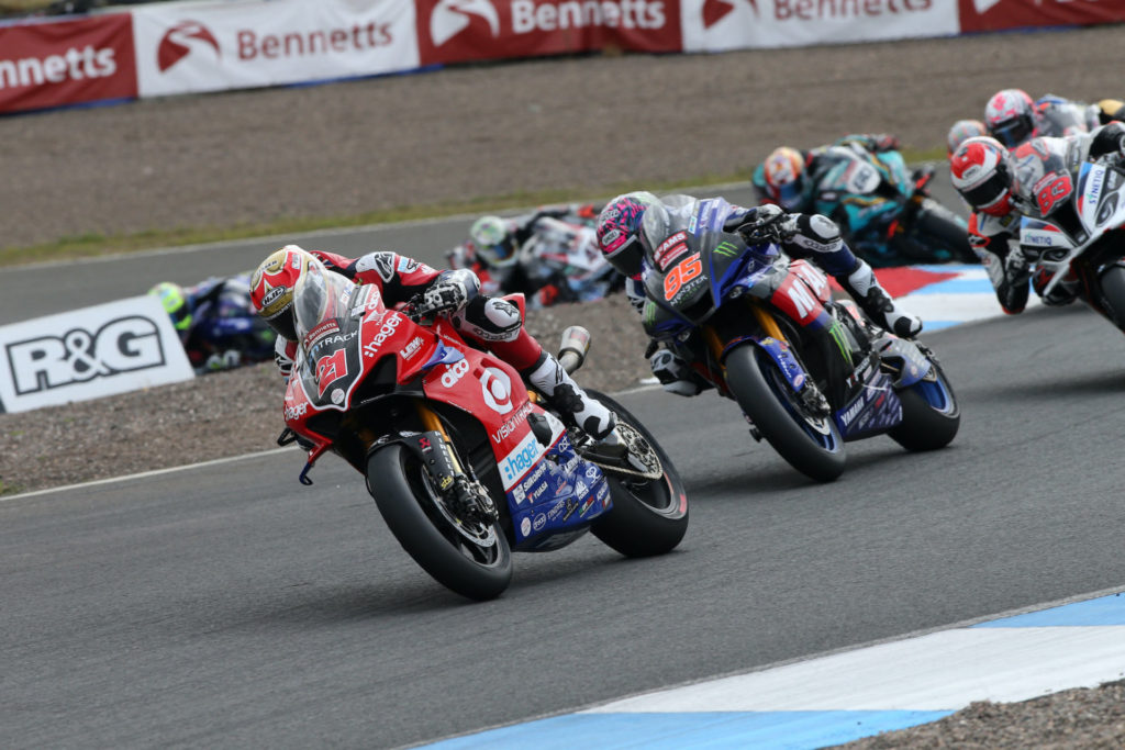 Christian Iddon (21) leads a pack of riders at Knockhill. Photo courtesy VisionTrack Ducati.