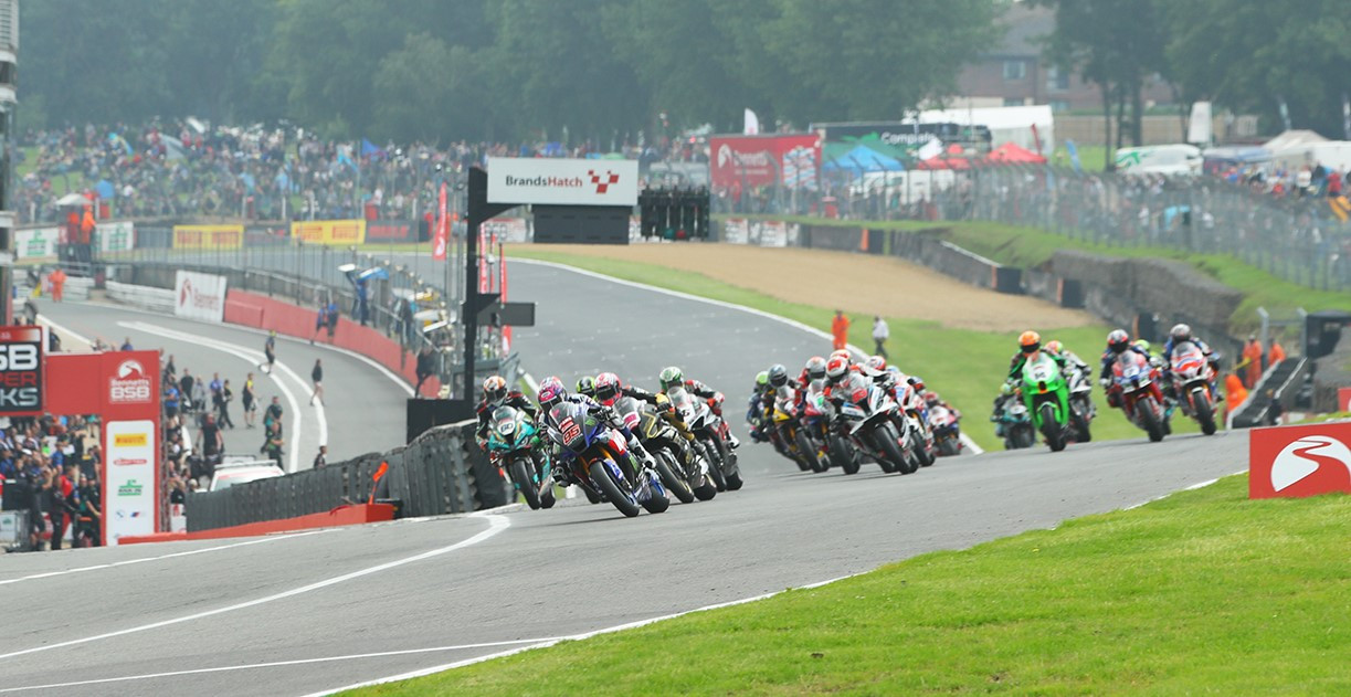 The start of British Superbike Race One at Brands Hatch. Photo courtesy MSVR.