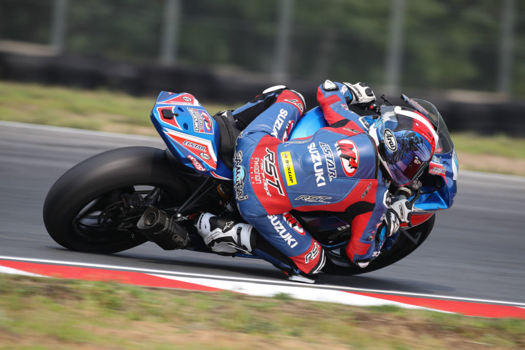 Sam Lochoff (44) continues to improve quickly and scored two podium finishes on his GSX-R600. Photo by Brian J. Nelson, courtesy Suzuki Motor USA, LLC.
