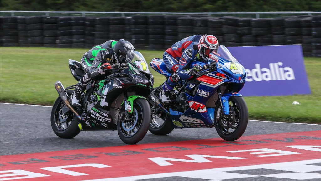 Sean Dylan Kelly (40) beat Richie Escalante (1) in a photo finish at the end of Supersport Race One at NJMP. Photo by Brian J. Nelson, courtesy MotoAmerica.