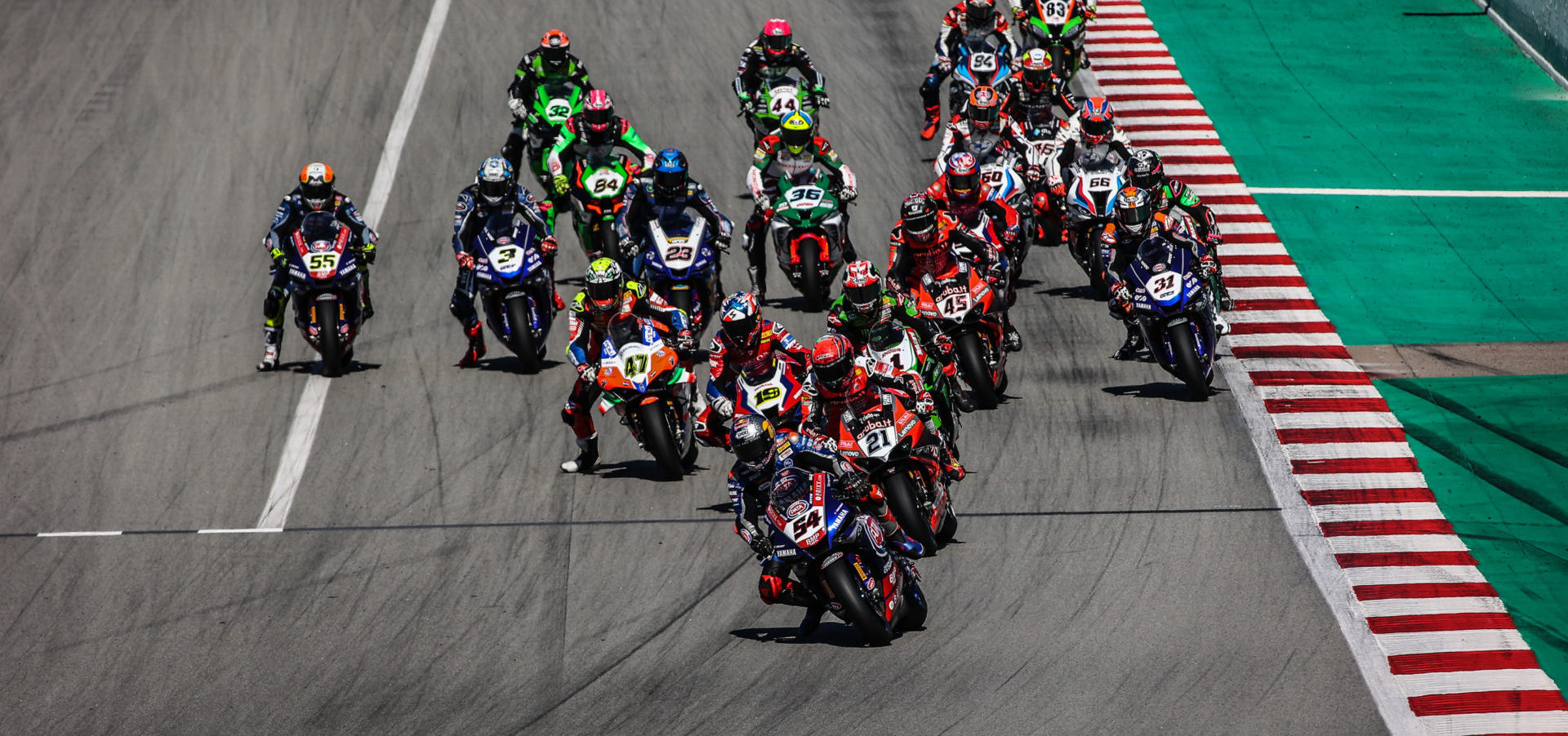 The start of a World Superbike race at Catalunya. Photo courtesy Dorna.