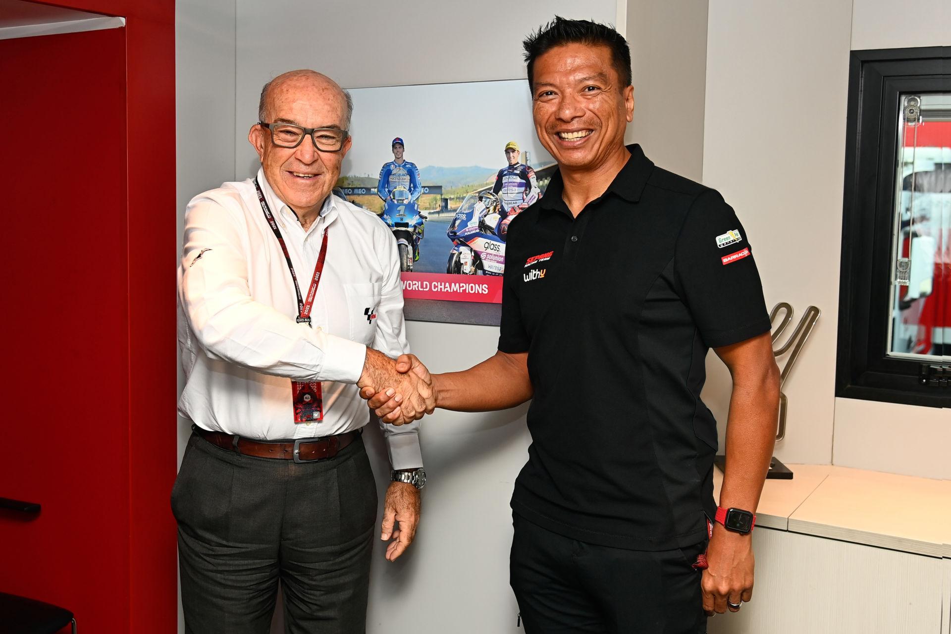 Dorna CEO Carmelo Ezpeleta (left) and Razlan Razali, RNF Racing Team Principal (right). Photo courtesy Dorna.