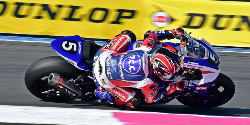 F.C.C. TSR Honda France (5) topped the practice sessions and ran with the leaders early. Photo by Michael Gougis.