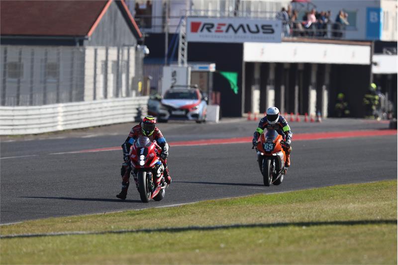 Sylvain Guintoli (1) riding the winning Yoshimura SERT Motul Suzuki GSX-R1000R