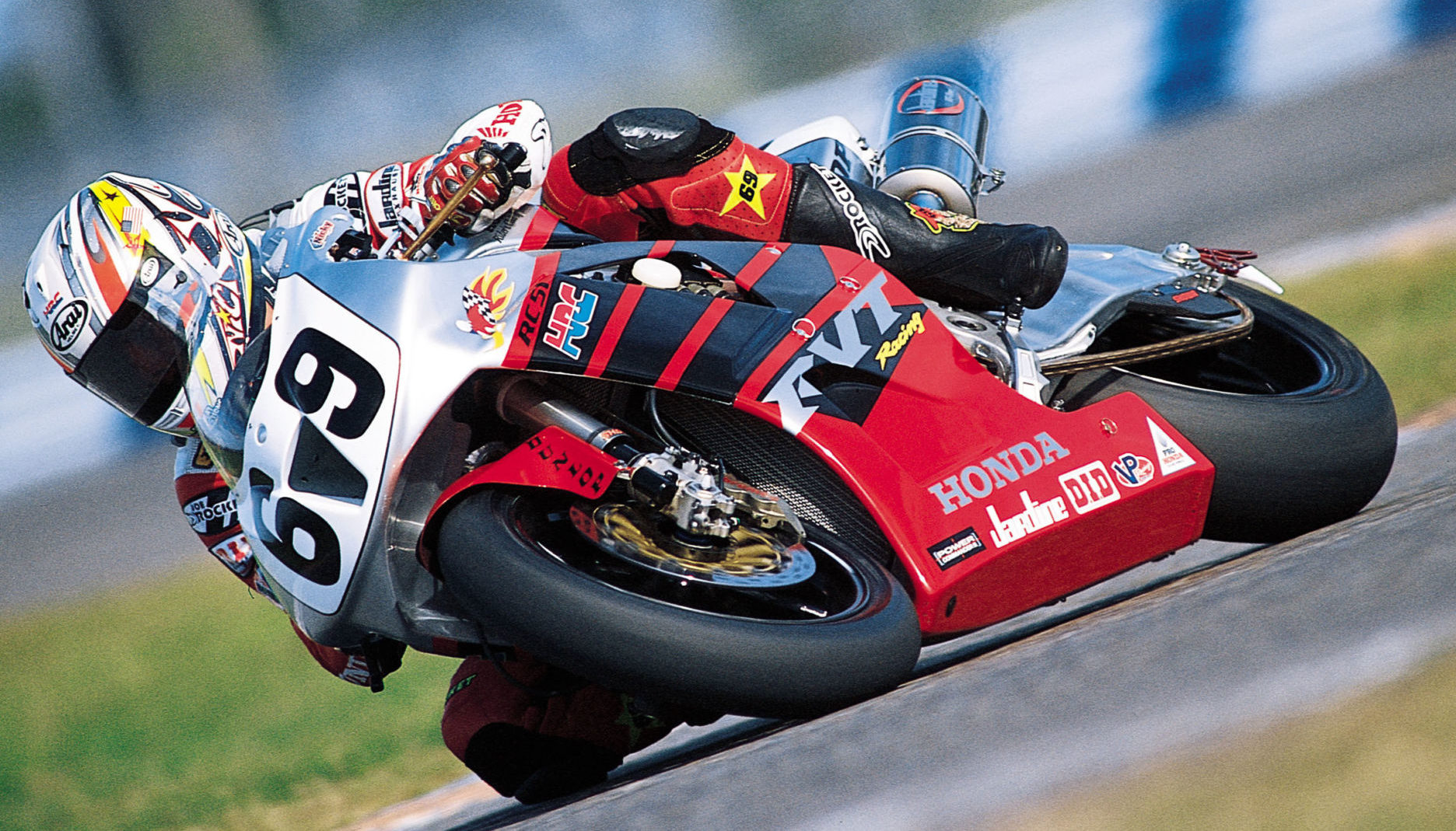 Nicky Hayden (69) on his American Honda RC51 AMA Superbike, circa 2002. Photo courtesy American Honda.
