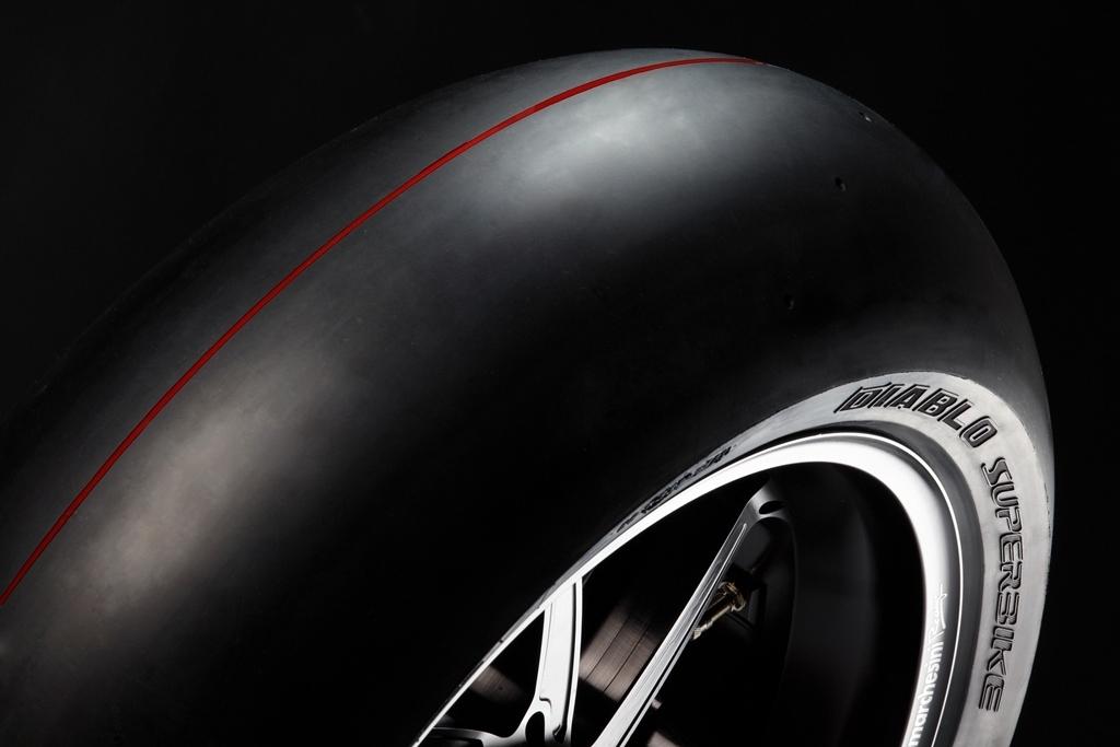 Pirelli Updates Diablo Superbike Pro Slicks With New Compounds Profiles And Sizes Roadracing World Magazine Motorcycle Riding Racing Tech News